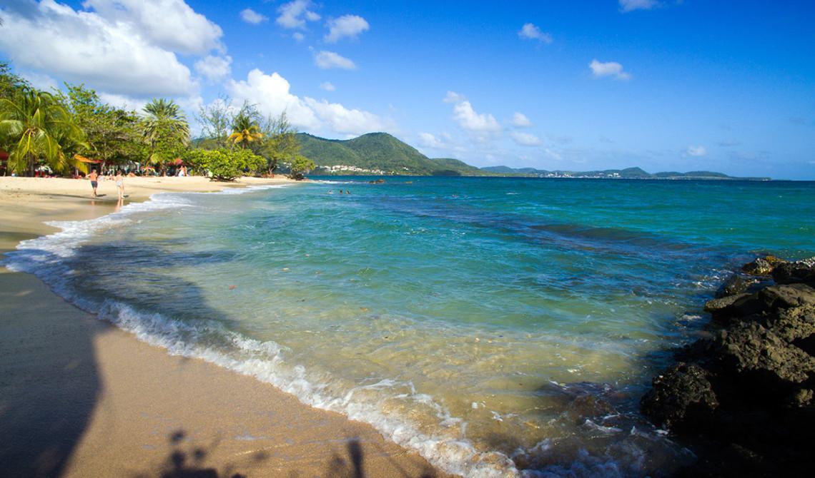 En av Martiniques vackra stränder, Plage de Gros Raisin, Sainte-Luce, Martinique