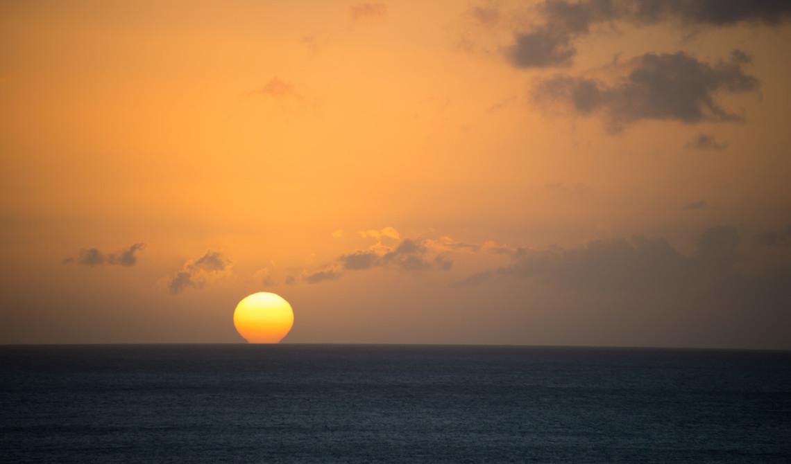Solen på väg ner i horisonten