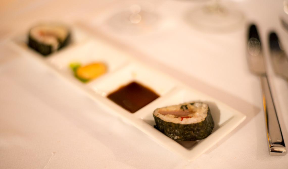 Sushi som appetizer på Kai Manje Restaurang på Ti Kaye Resort & Spa, Saint Lucia