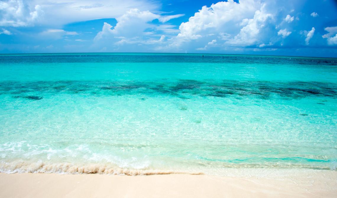 Vacker strandvy från Windsong Resort, Turks & Caicos