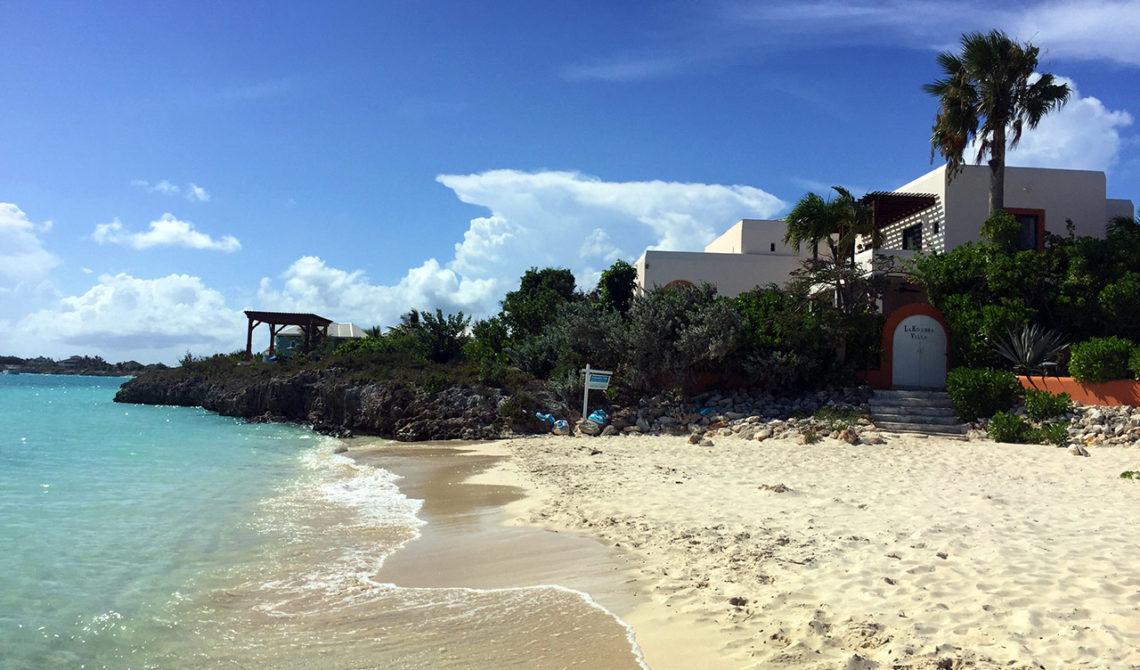 Charmiga Sapodilla Bay Beach på Turks & Caicos