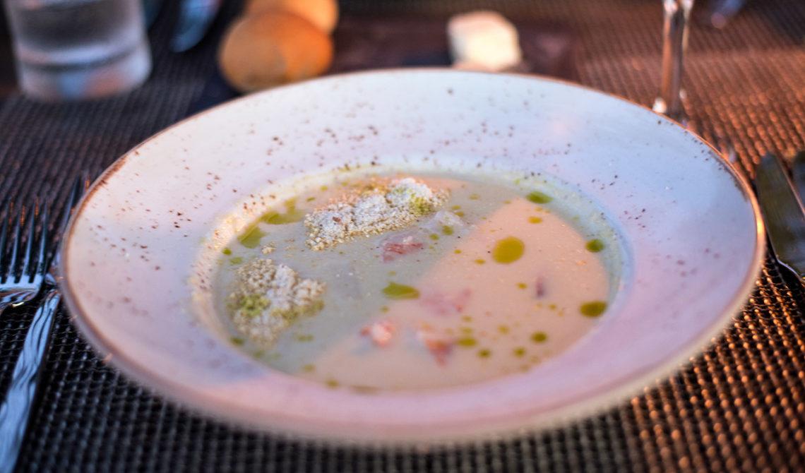 Soppa till förrätt på Grace Bay Club, Turks & Caicos