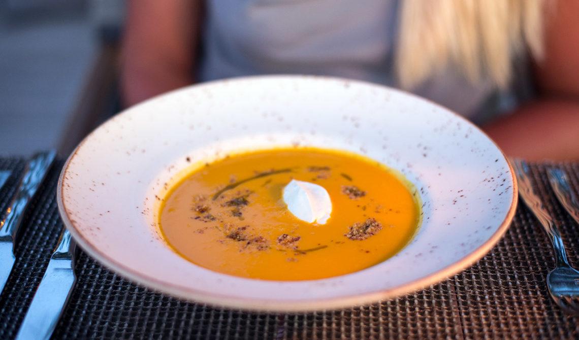 Soppa serverad på Grace Bay Club, Turks & Caicos