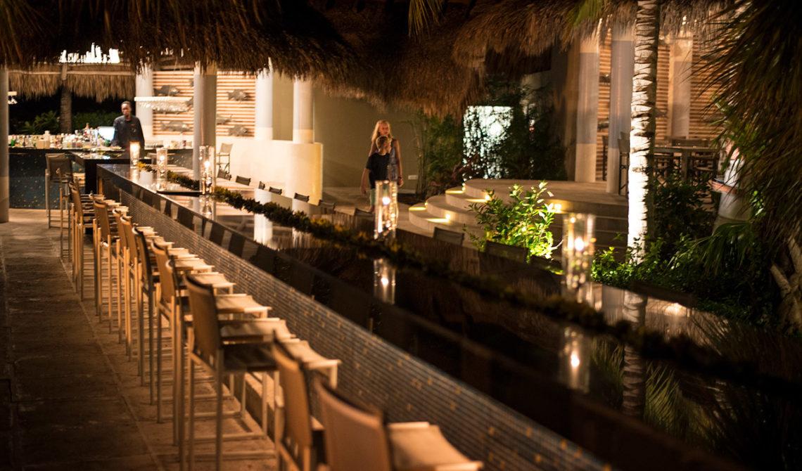 Infinity Bar på Grace Bay Club på Turks & Caicos