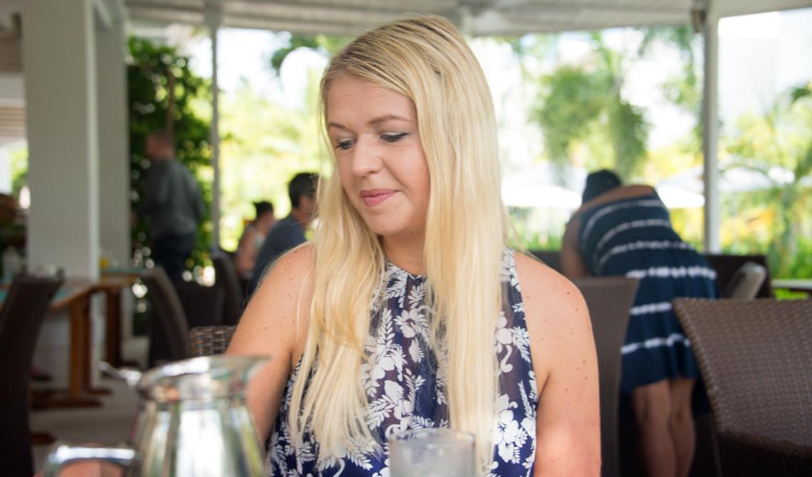 Anki intar frukost på West Bay Club Resort, Turks & Caicos