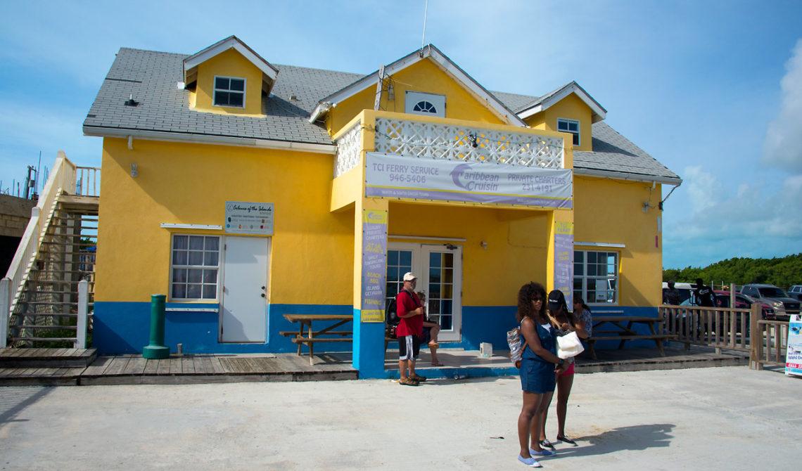 TCI Ferries kontor vid Walkin Marina, Leeward Highway, Turks & Caicos