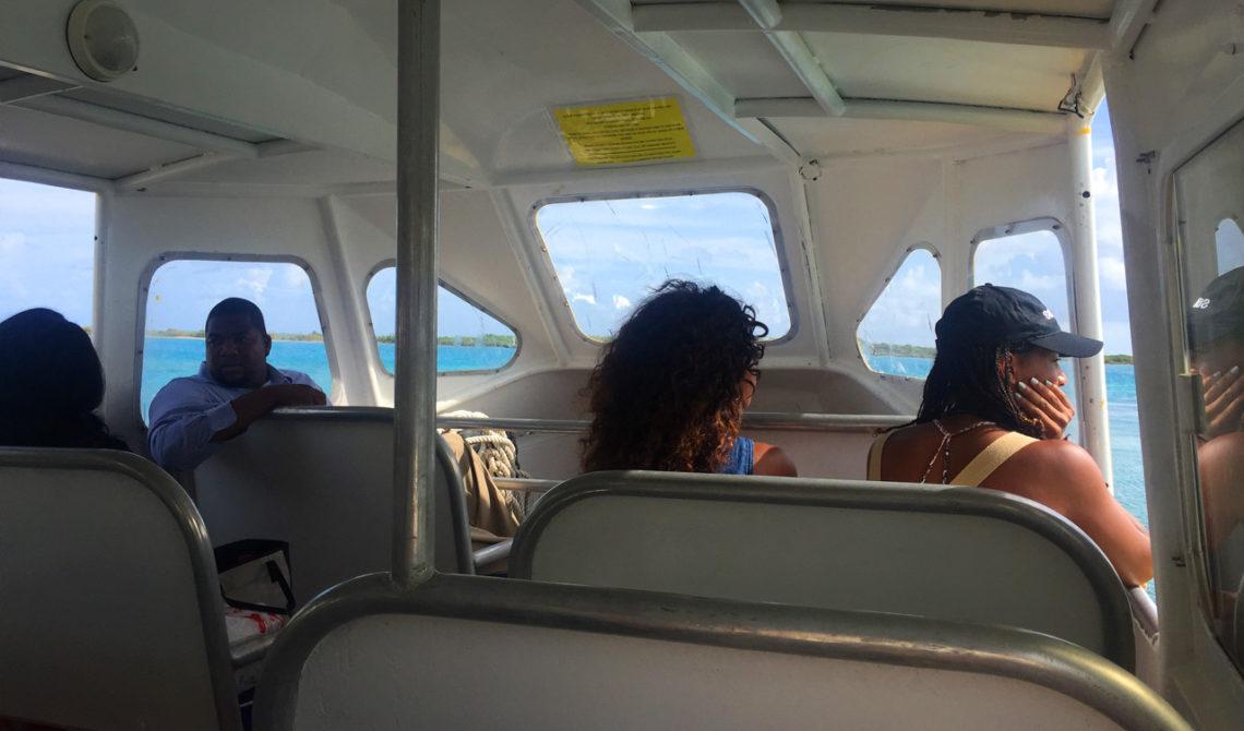 På väg med en av TCI Färjor från Providenciales till North Caicos