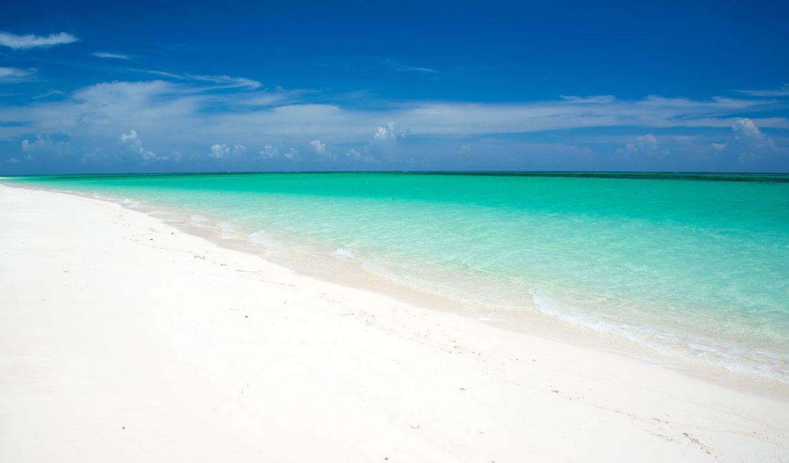 Underbar strandsträcka vid Horse stable beach på North Caicos, Turks & Caicos