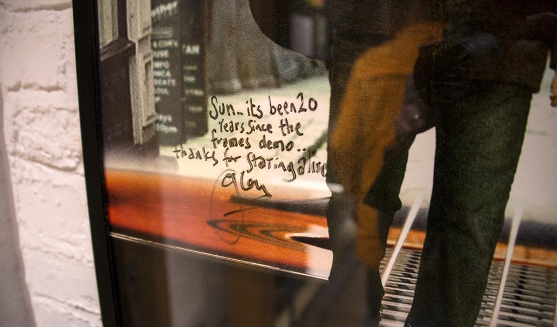 Signerad filmposter från filmen Ones, The Irish Rock n Roll Museum Experience Dublin