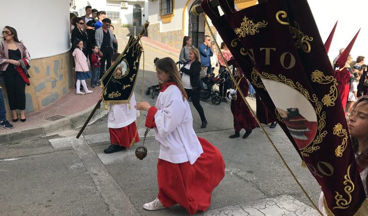 Barnen som är först ut i processionen
