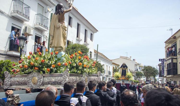Vackert möte under processionen