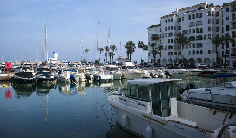 Hamnen i Puerto de la Duquesa