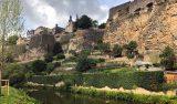 Gamla stan i Luxemburg bjuder på många vackra vyer. Det är lätt att ta sig runt och helt klart värt ett besök.