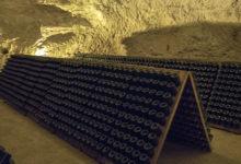Nere i grottorna i Taittinger champagnehus i Reims