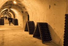 Grottorna till Taittinger champagnehus i Frankrike