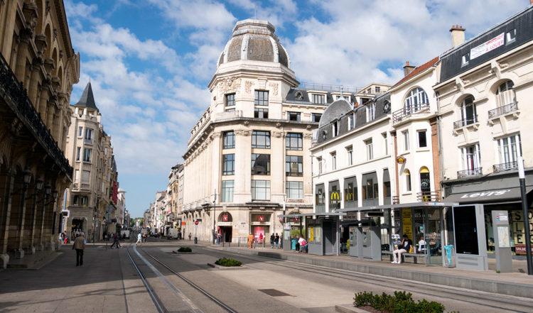 Gata i Reims, Frankrike