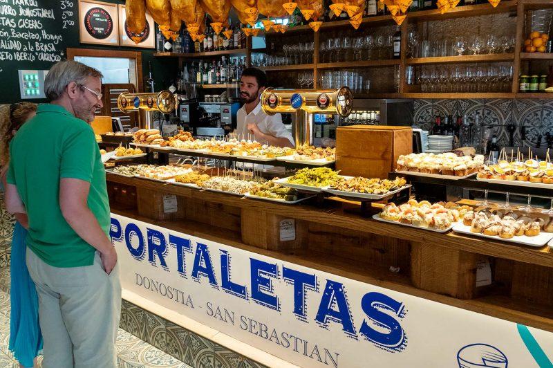 Underbara Pintxos på Meson Portaletas, Donostia-San Sebastian