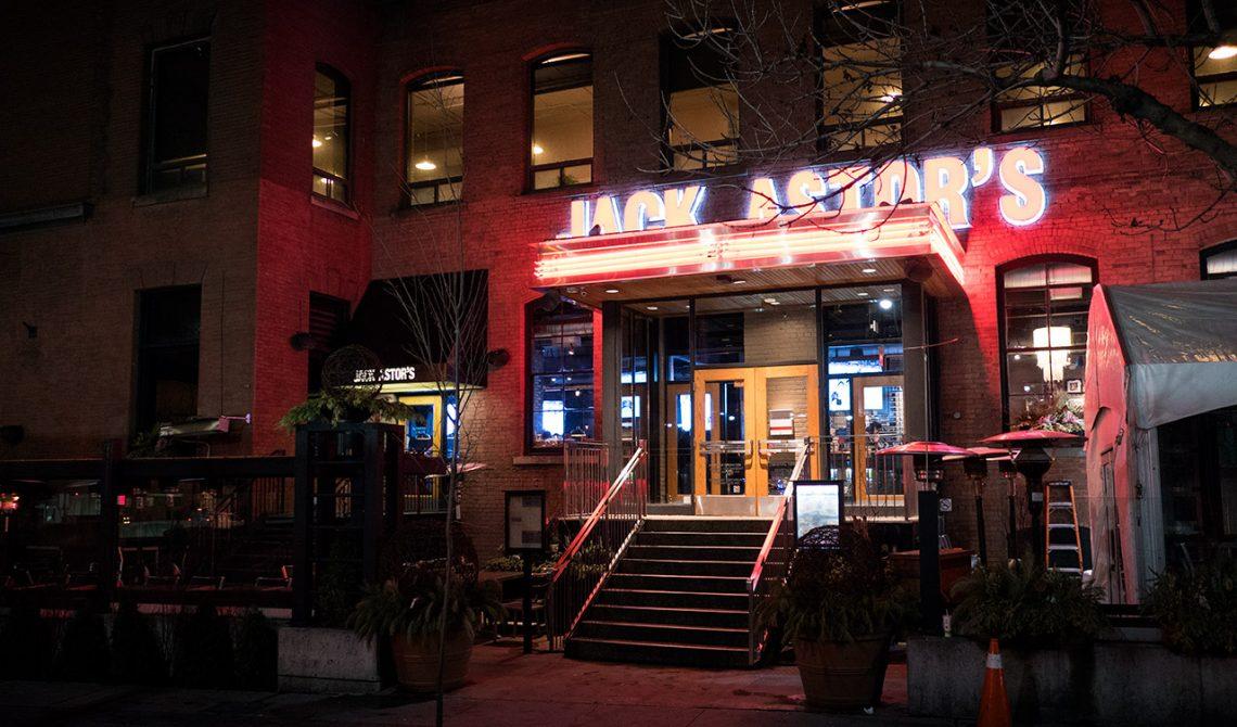 Exteriör Jack Astors Bar and Grill, Toronto