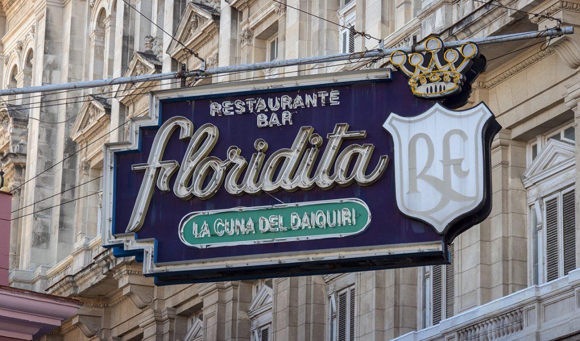 Skylten till välkända Floridita i Havanna