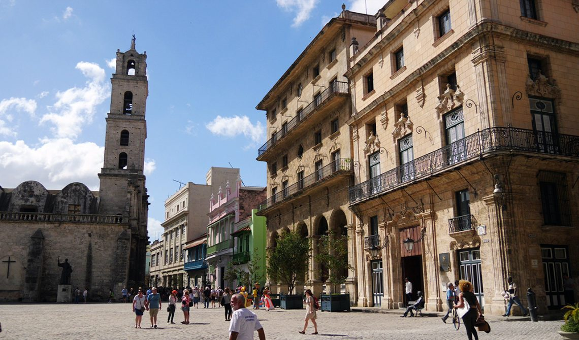 Plaza del San Francisco i gamla stan, Havanna