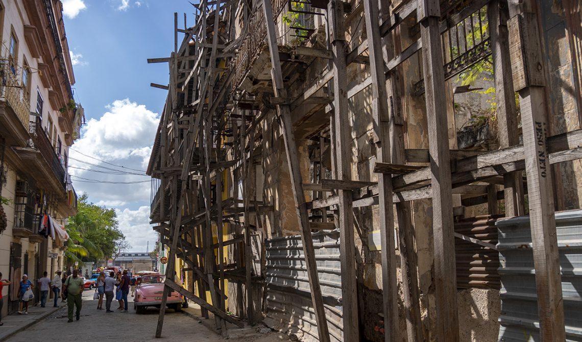 Byggkonstruktion i de gamla delarna av Havanna