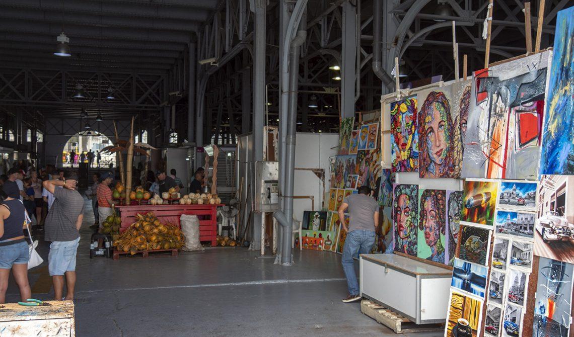Almacenes de San Jose handcraft market i Havanna